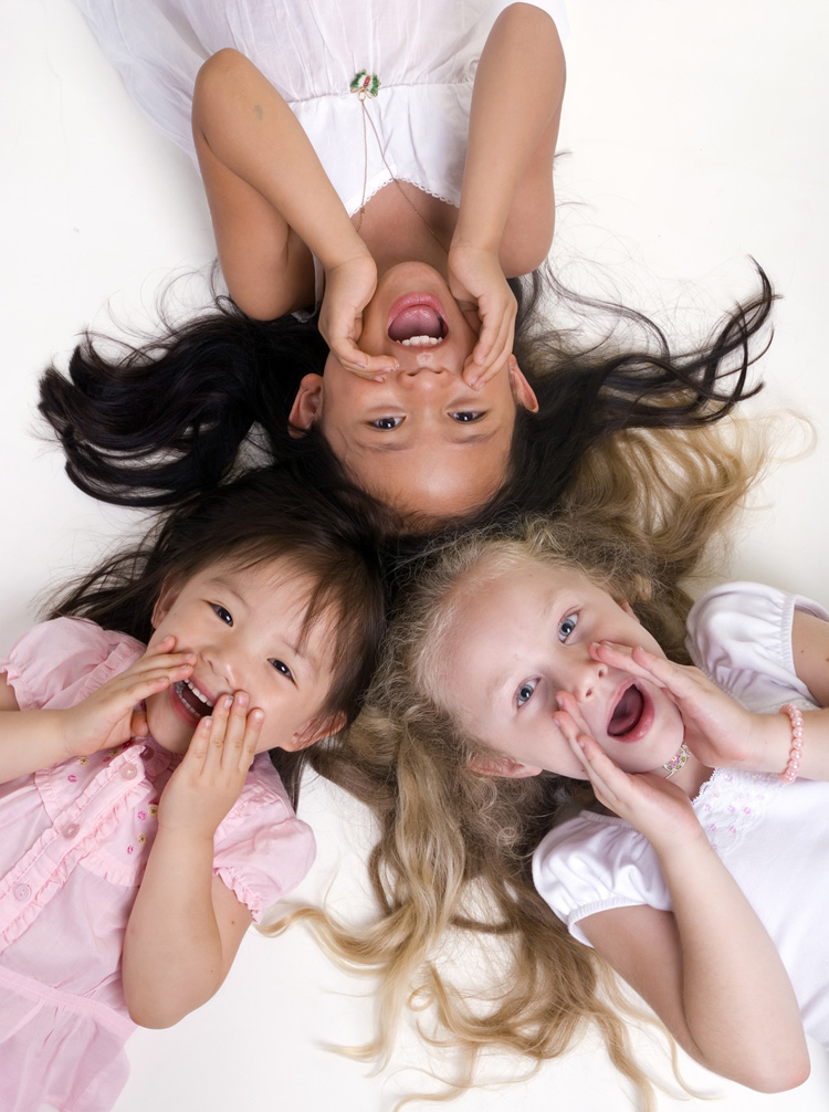 girls yelling